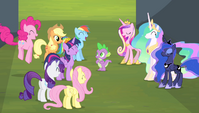 Mane 6 and princesses cheering for Spike S4E24