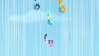 Wonderbolts nearing Rarity during rescue S1E16