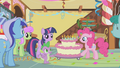Pinkie wheels out the cake S1E05.png