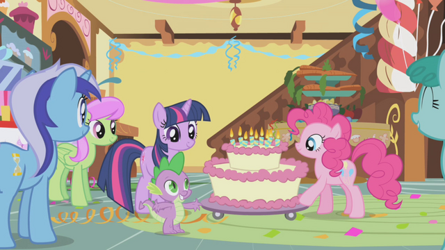 File:Pinkie wheels out the cake S1E05.png