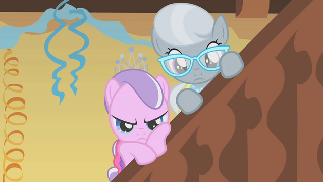 File:Diamond Tiara and Silver Spoon watching S01E12.png