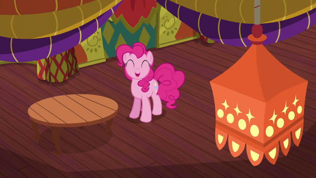 File:Pinkie Pie pleased with the redecorating S6E12.png