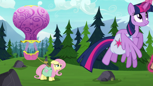 File:Twilight flying up into the air S5E23.png