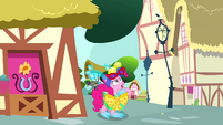 "Pinkie Pie ""got to get her title back"" S4E12"