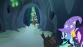 Discord Changeling appears from behind the chamber doors S6E26.png