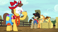 Rodeo clown Caramel playing a harmonica S5E6