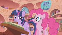 Twilight thinks Pinkie is jealous S1E05