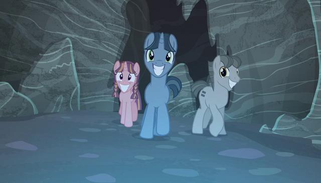 File:Creepy ponies walking S5E1.png