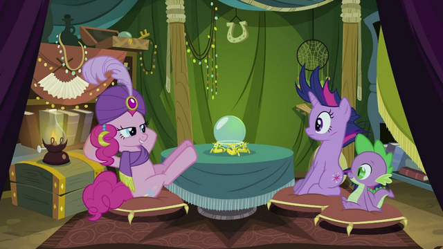 File:Pinkie Pie laid back S02E20.png
