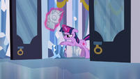 Twilight searching under bust S3E2