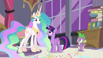 Twilight talking with Princess Celestia S4E01