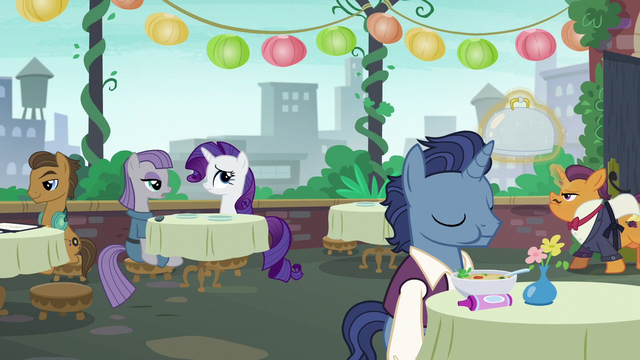 File:Maud Pie finishing her story S6E3.png