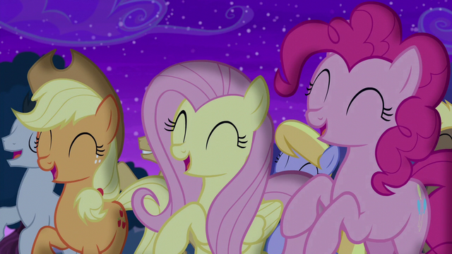 File:Applejack, Fluttershy, and Pinkie cheer for Trixie S6E6.png