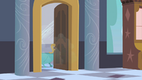 Opal getting a shower S02E09