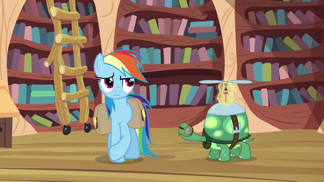 File:Rainbow Dash trying to act indifferent S03E11.png