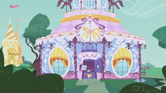 File:Rarity answers the doorbell S1E05.png