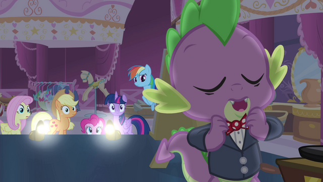 File:Spike adjusting his bowtie S4E13.png