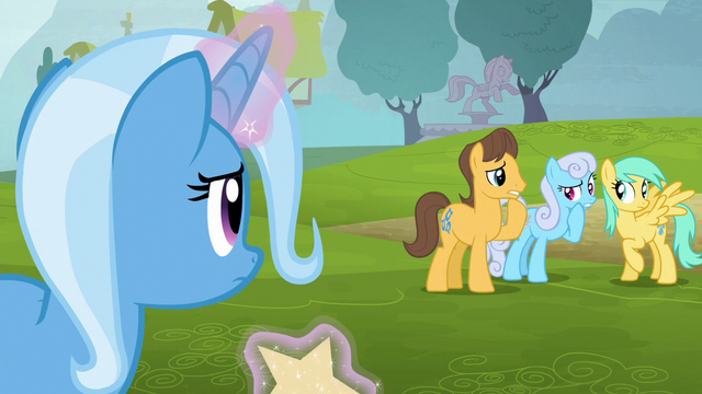 File:Trixie notices ponies whispering S6E6.png