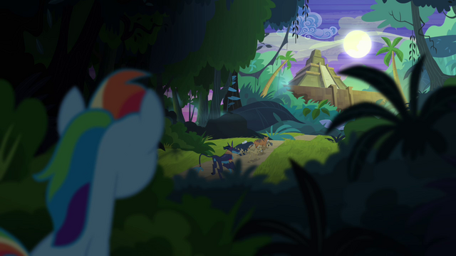 File:Rainbow sees Daring get carried away S4E04.png