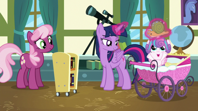 File:Twilight giving Flurry Heart her Whammy toy S7E3.png