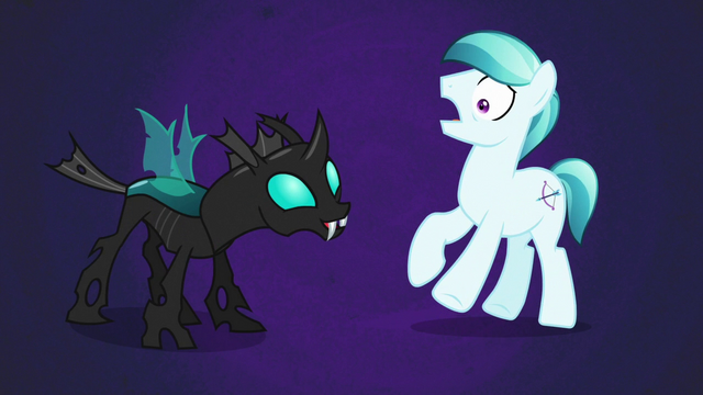 File:Crystal Arrow scared of Thorax S6E16.png