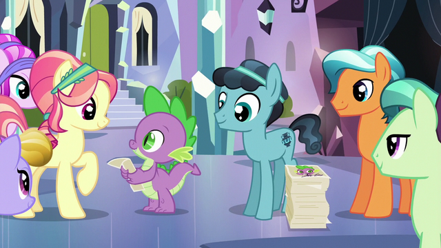 File:Spike and Crystal Hoof give out autographs S6E16.png