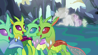 Changelings listen to Starlight and Thorax's lesson S7E1