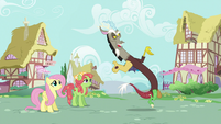 Discord poofs back in S5E7