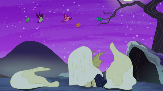 File:Glowing ghosts revealed to be birds S5E21.png
