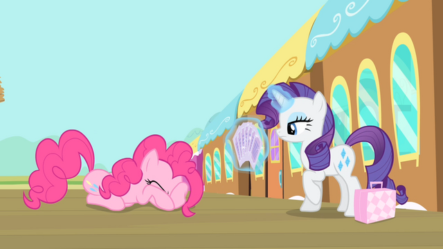 File:Pinkie Pie closes her eyes S4E08.png