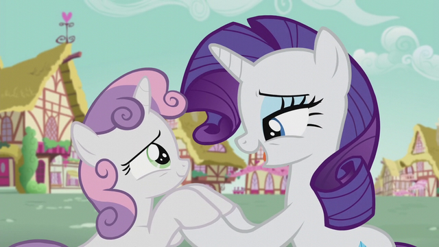 File:Rarity singing to Sweetie Belle S5E18.png