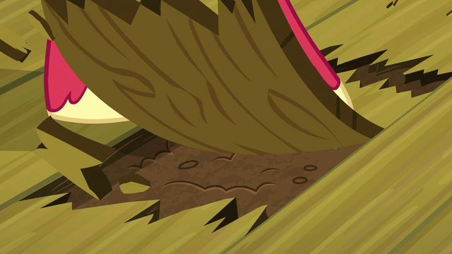 File:Big McIntosh tearing the floorboards S7E13.png