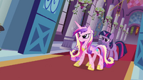 Twilight and Cadance stop the wedding S02E26