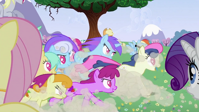 File:Ponies running S2E03.png