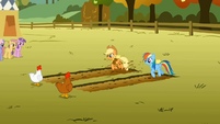 Applejack and Rainbow Dash start to race S1E13