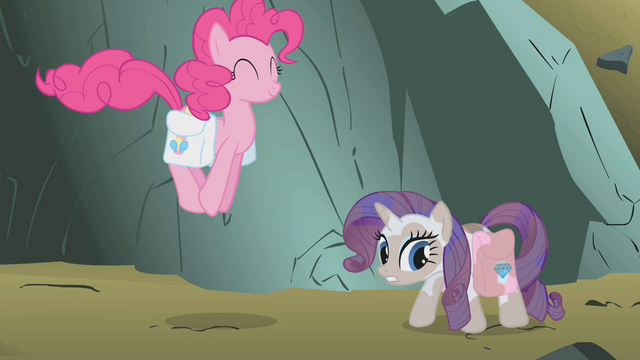 File:Rarity covered in dirt S1E07.png
