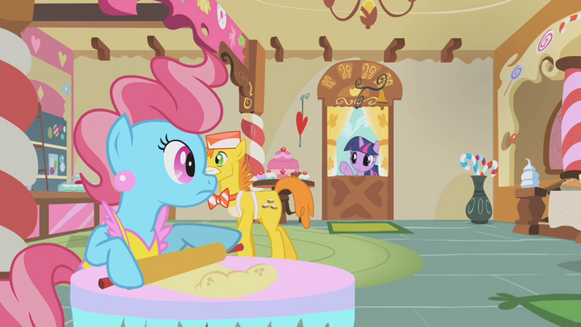File:Mrs. Cake surprised by Twilight Sparkle S1E10.png