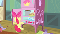 Apple Bloom opening refrigerator S4E17.png