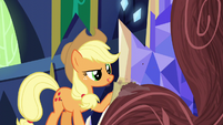Applejack sanding the chandelier S5E3