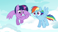Rainbow Dash noticing something S4E21