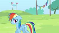 Rainbow looks behind her S4E10