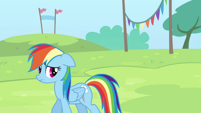 File:Rainbow looks behind her S4E10.png
