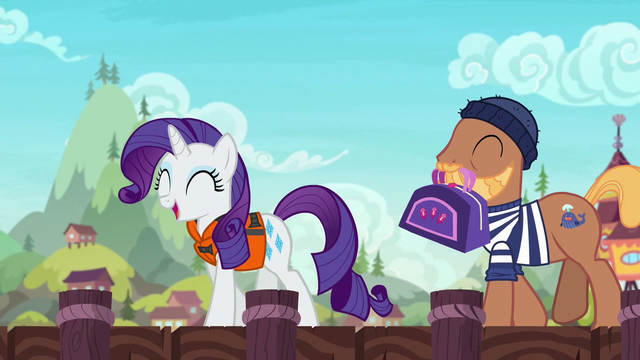 File:Rarity approaches the ship with a porter pony S6E22.png