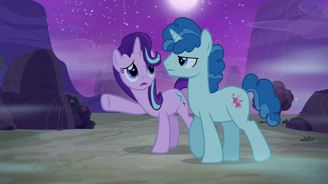 File:Dream Party Favor ignoring Starlight Glimmer S6E25.png