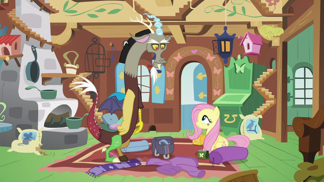 File:Discord stares nonplussed at Fluttershy S6E17.png