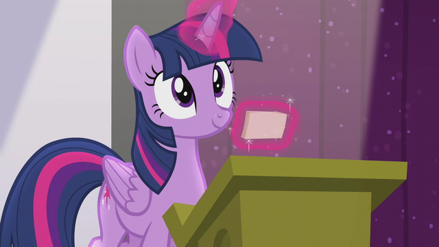 File:Twilight finds the right index card S5E25.png