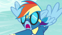 Rainbow Dash in frightened shock S6E7