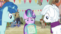 Starlight shows Diamond and Favor the invitation S6E25.png