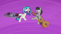 DJ Pon-3 and Octavia freeze in midair S5E9
