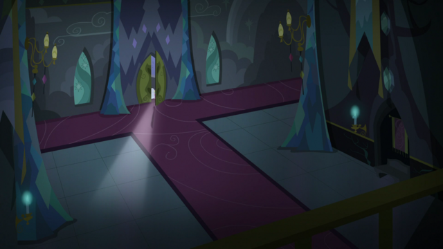 File:Fluttershy opening the door of the castle S5E21.png